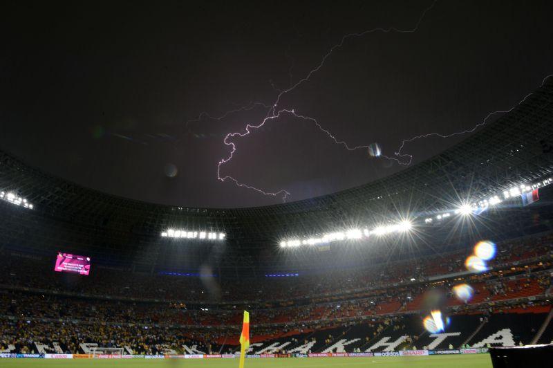 Евро-2012. Матч Украина-Франция. Буря разыгралась не не шутку.